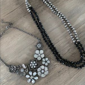 Jewelry - Black and silver necklace set